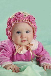 Шапочка-чепчик для девочки 6 месяцев ( вязание крючком)