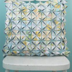 Подушка в технике оригами из ткани (Шитье и крой)