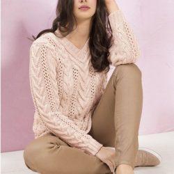 Пуловер с ажурными полосами и «косами» (Вязание спицами)