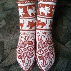 Жаккардовые носочки «Кошки» (Вязание спицами)