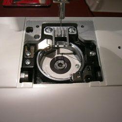 Схемы смазки швейных машин с вертикальным и горизонтальным челноком (Шитье и крой)