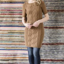 Облегающее платье с аранами (Вязание спицами)