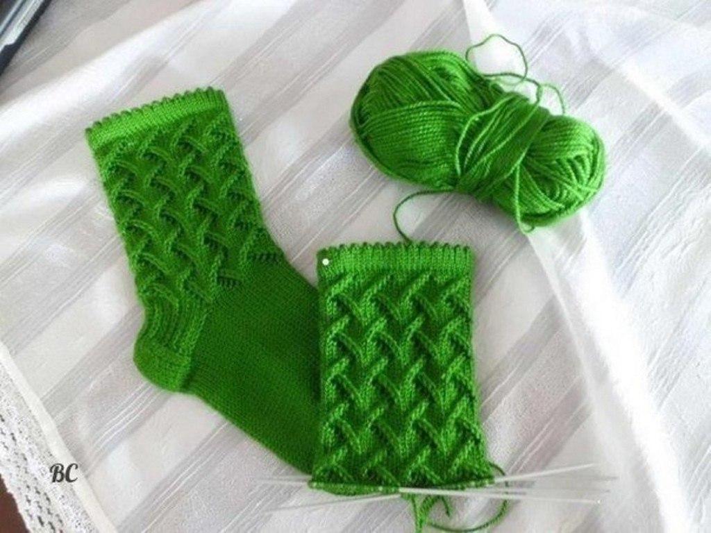 Носки вязанные красивые