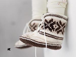 Детские тапочки «Скандинавские сказки» (Вязание спицами)