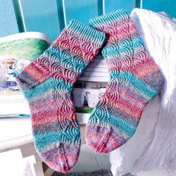 Носки с красивым узором (Вязание спицами)