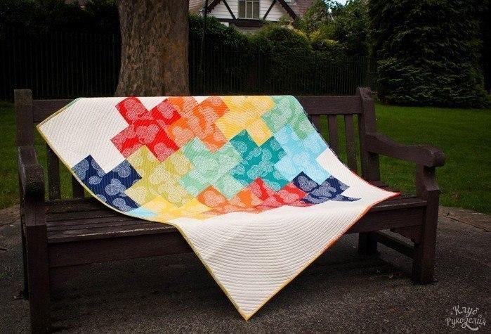 Плед и подушка «Спиральные квадраты», квиллинг