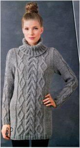 Серый пуловер с воротником гольф и объёмными аранами  (Вязание спицами)