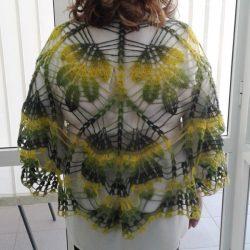 Воздушная шерстяная шаль «Дубовые листья» (Вязание крючком)