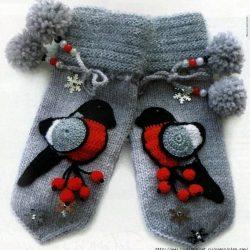 Варежки «Снегири» (Вязание спицами)