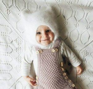 Пуховая шапочка для малышей (Вязание спицами)