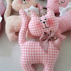 Текстильные котики. Выкройка (Шьем игрушки)