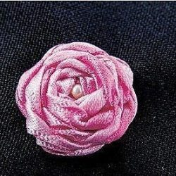 Вышиваем розы лентами (Вышивка лентами)