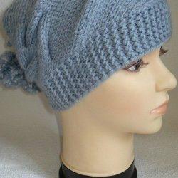 Интересная модная вязаная женская шапка (Вязание спицами)