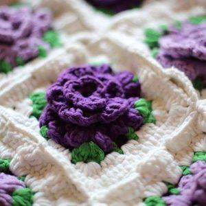 Пледы из квадратов с выпуклым цветком (Вязание крючком)