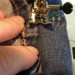 Как прошить без пропусков толстый шов на джинсе (Шитье и крой)