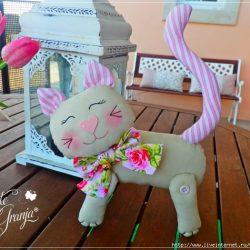 Котик и собачка по одной выкройке (Шьем игрушки)