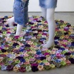 Вяжем цветочный коврик крючком (Вязание для дома )