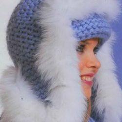Теплые вязаные шапки с красивой отделкой мехом (Вязание спицами и крючком)