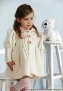Пальто для маленькой модницы (Вязание спицами)