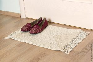 Вяжем по канве уютный коврик (Вязание крючком)