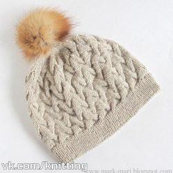 Объемная шапочка с актуальным узором (Вязание спицами)