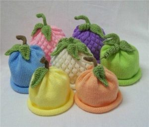 Забавные детские шапочки (Вязание спицами)