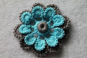 Цветок крючком описание (Вязаные цветы)