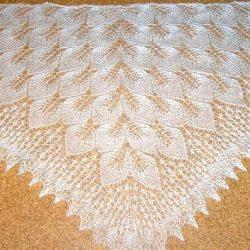 Шаль «Замерзшие листья» (Вязание спицами)