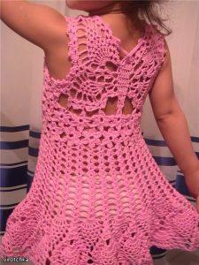 Детское платье с бабочкой на спине (Вязание крючком)