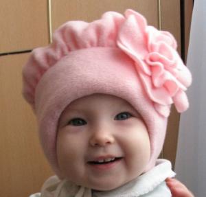 Выкройка весенней шапочки из флиса для маленькой девочки (Шитье и крой)