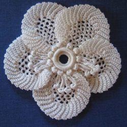 Очень красивый цветочек крючком (Вязаные цветы)
