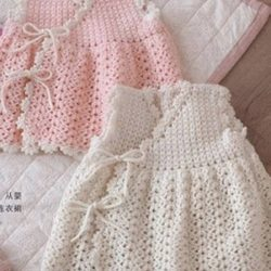 Милое платье для малышки на возраст 6 месяцем (Вязание крючком)