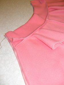 Как сшить манишку из рубашки 32