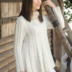 Расклешенный белый джемпер (Вязание спицами)