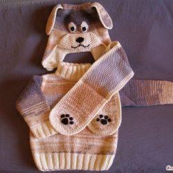 Комплект «Собачка» — шапочка, шарф и пуловер для мальчика (Вязание спицами и крючком)