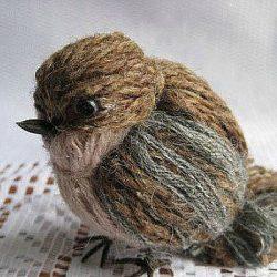 Делаем птичек из пряжи. Без вязания! (Поделки с детьми)