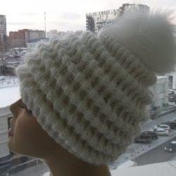 Женская шапка «Волны» (Вязание спицами)