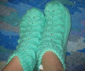 Красивые носочки с листочками (Вязание спицами)