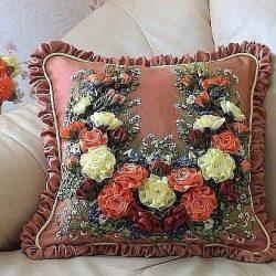 Невероятно красивые подушки. Идеи для вдохновения (Вышивка лентами)