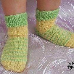 Носочки на двух спицах без швов для ребенка до 2-х лет (Вязание спицами)