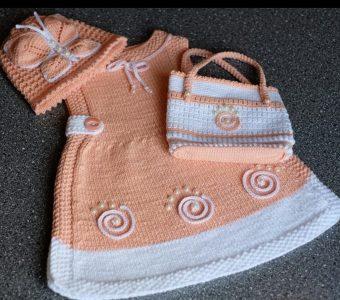 Потрясающий комплект для малышки (Вязание спицами)