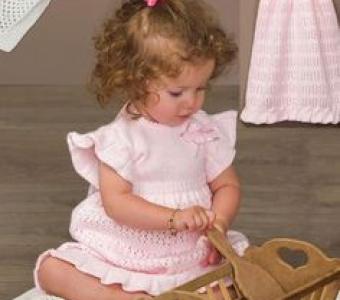 Милое платье для девочки 6-12 месяцев (Вязание спицами)