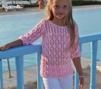 Летний пуловер для девочки (Вязание спицами)